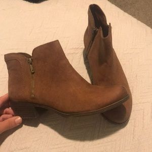 Lucky Brand sz 10 booties. Great condition!